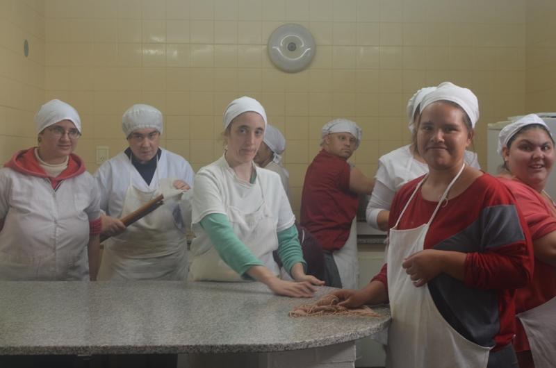 CETIDIM amplía sus productos elaborados para la venta en el Taller de Amasado