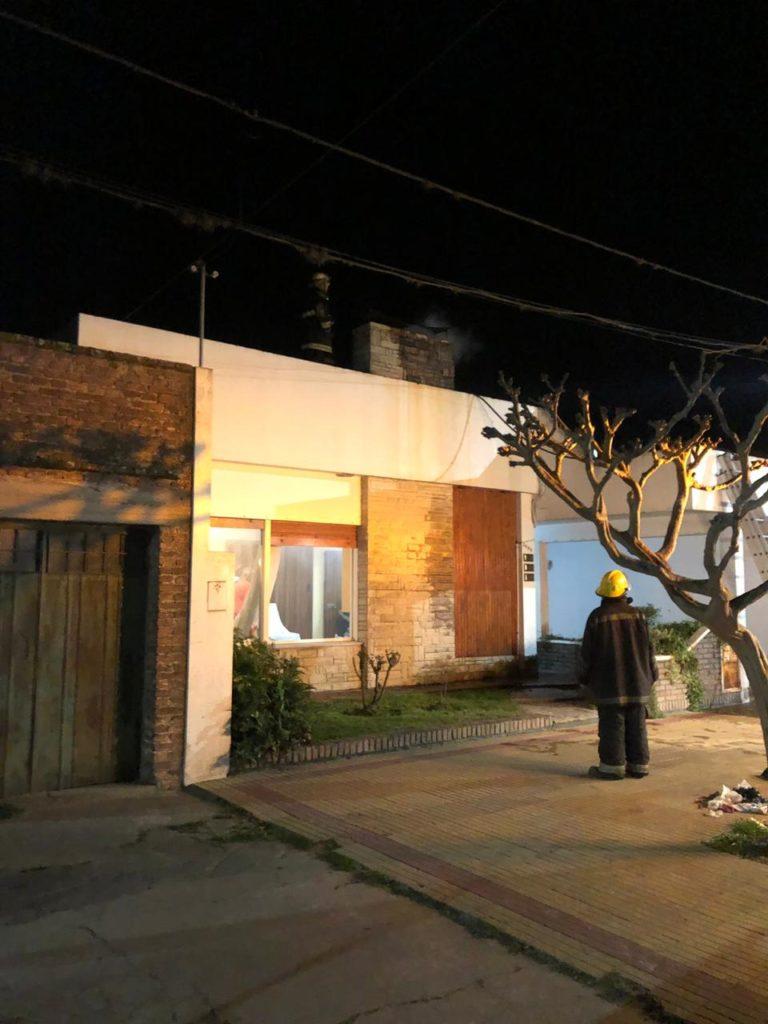 Tercer llamado en 12 horas para Bomberos: en la noche, se incendió una chimenea