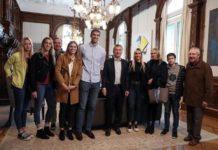 Marcos Delía y su familia junto a Mauricio Macri