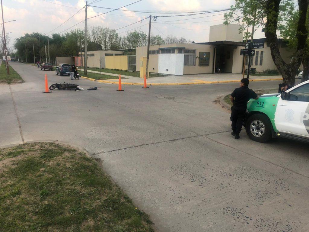 Un joven fue hospitalizado tras un accidente en moto