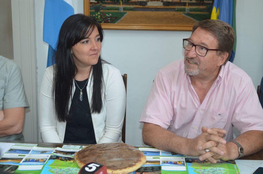 Representantes de Tapalqué visitaron Saladillo para invitar a los vecinos a la tradicional Fiesta de la Torta Negra