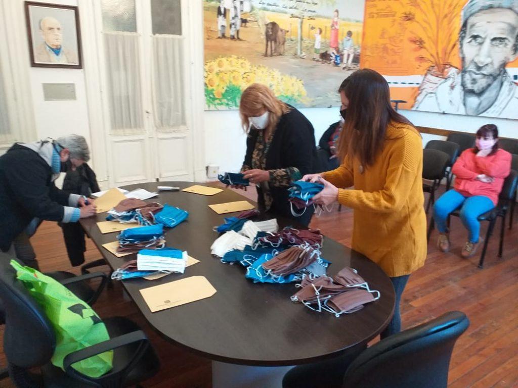 La municipalidad entrego barbijos para las pensiones geriátricas y hogar de ancianos