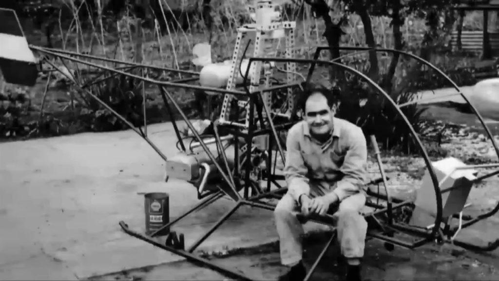 Pirincho Cicaré y uno de sus primeros helicópteros